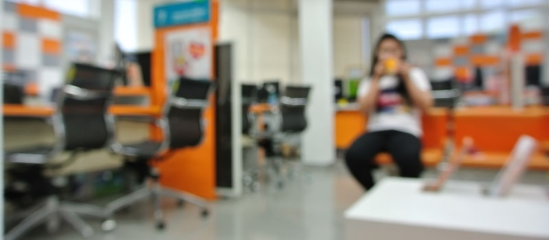Briefcase_Blurred_Orange_Office-830082-edited.jpg