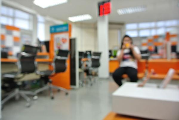 Briefcase_Blurred_Orange_Office.jpg